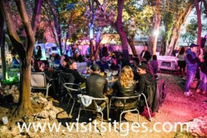 Bar Chill Out Sitges 1883 *